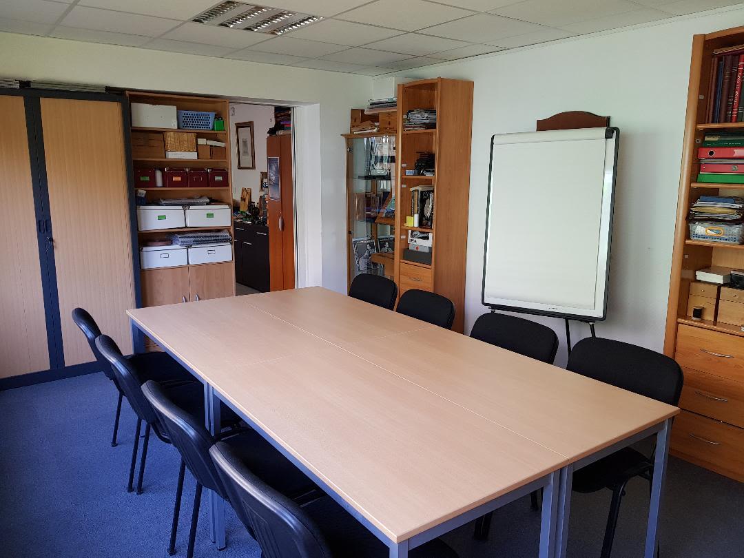salle de réunion pour 12 personnes à Suresnes