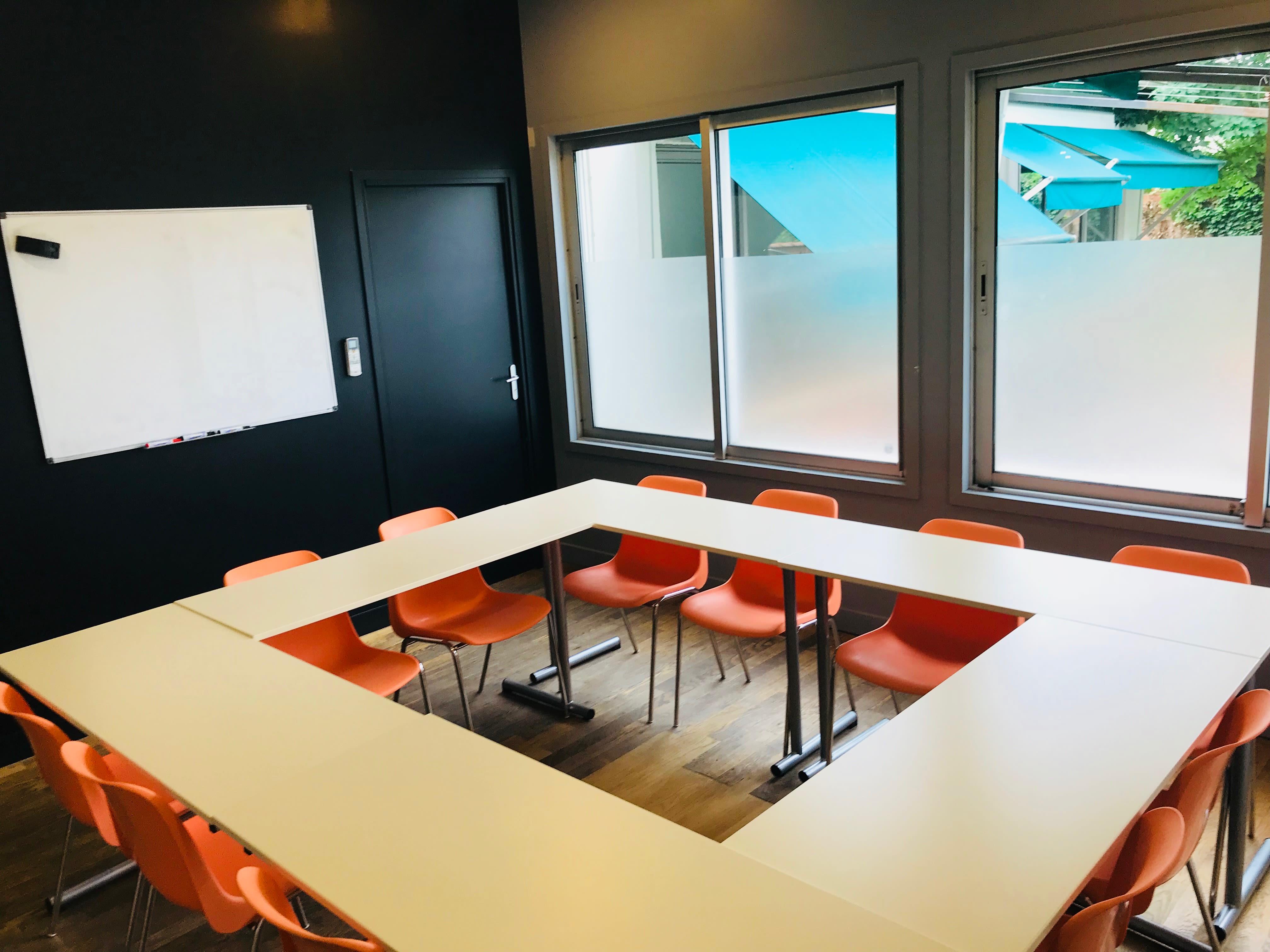 salle de réunion pour 14 personnes à Gentilly