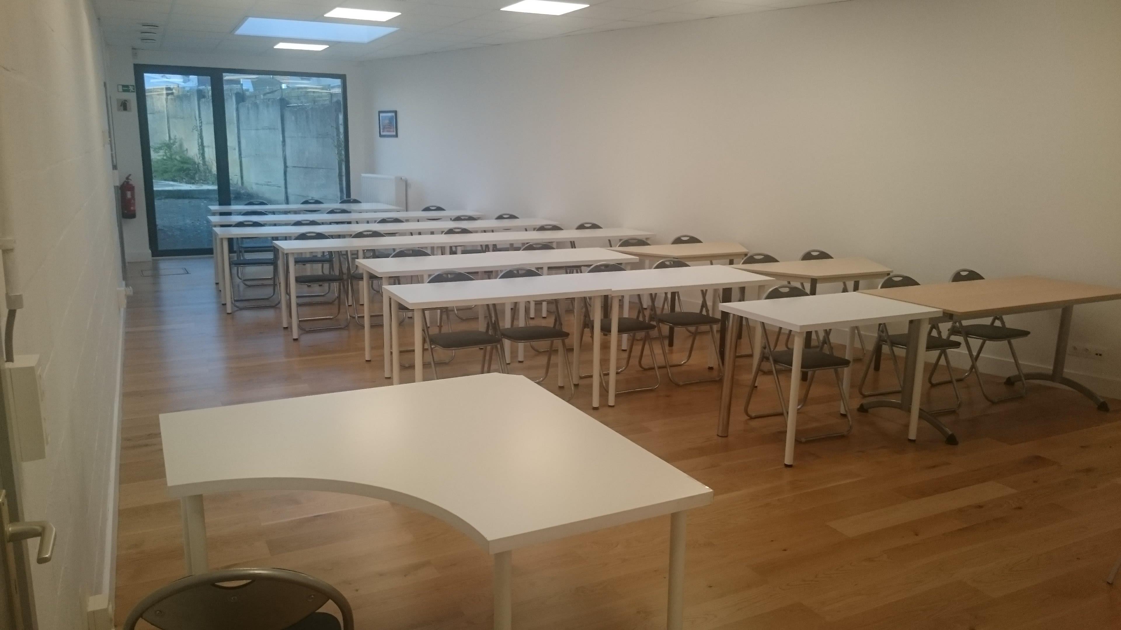 salle de réunion pour 40 personnes à TOURNAI - ORCQ