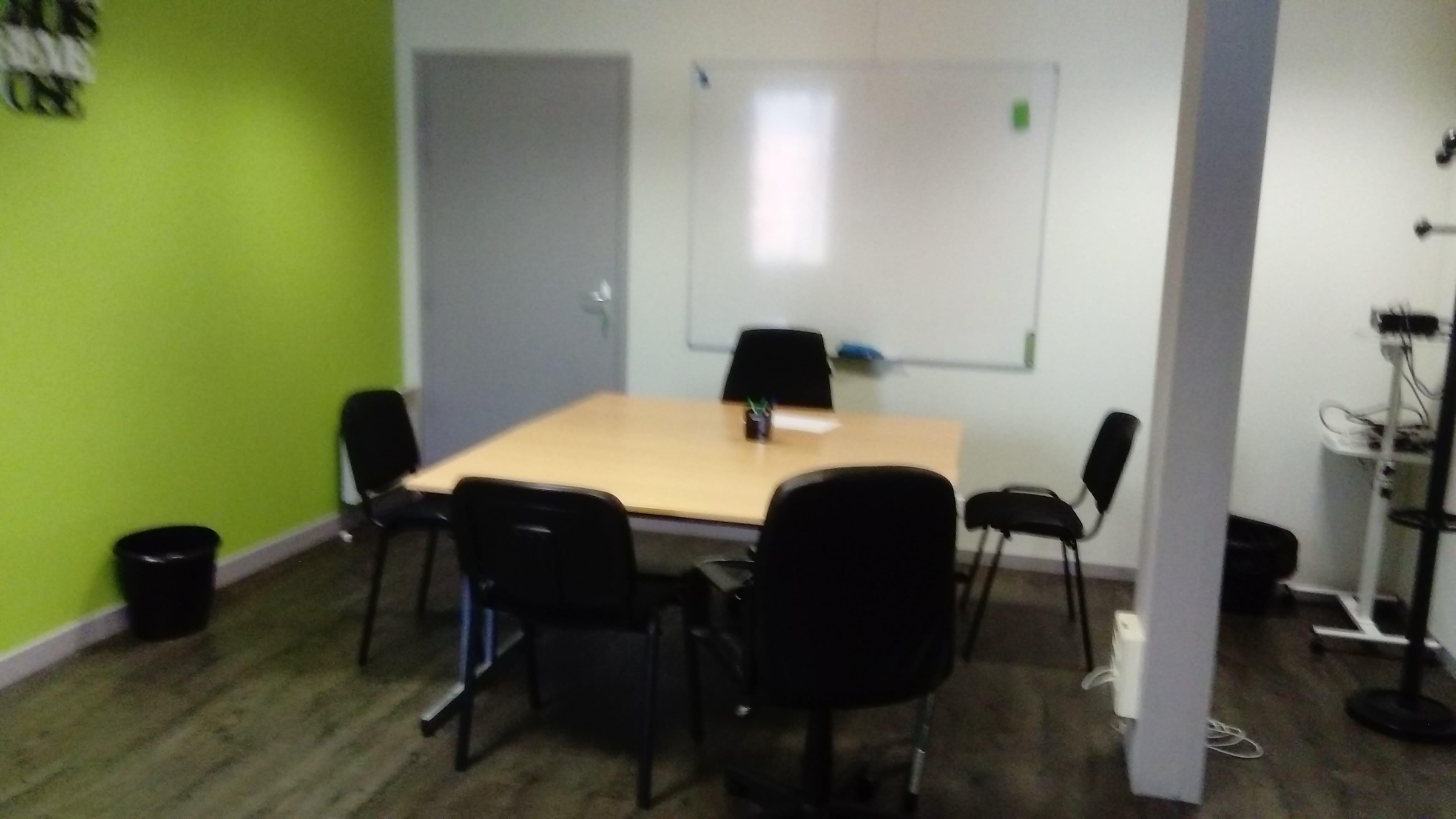 salle de réunion pour 13 personnes à Limoges