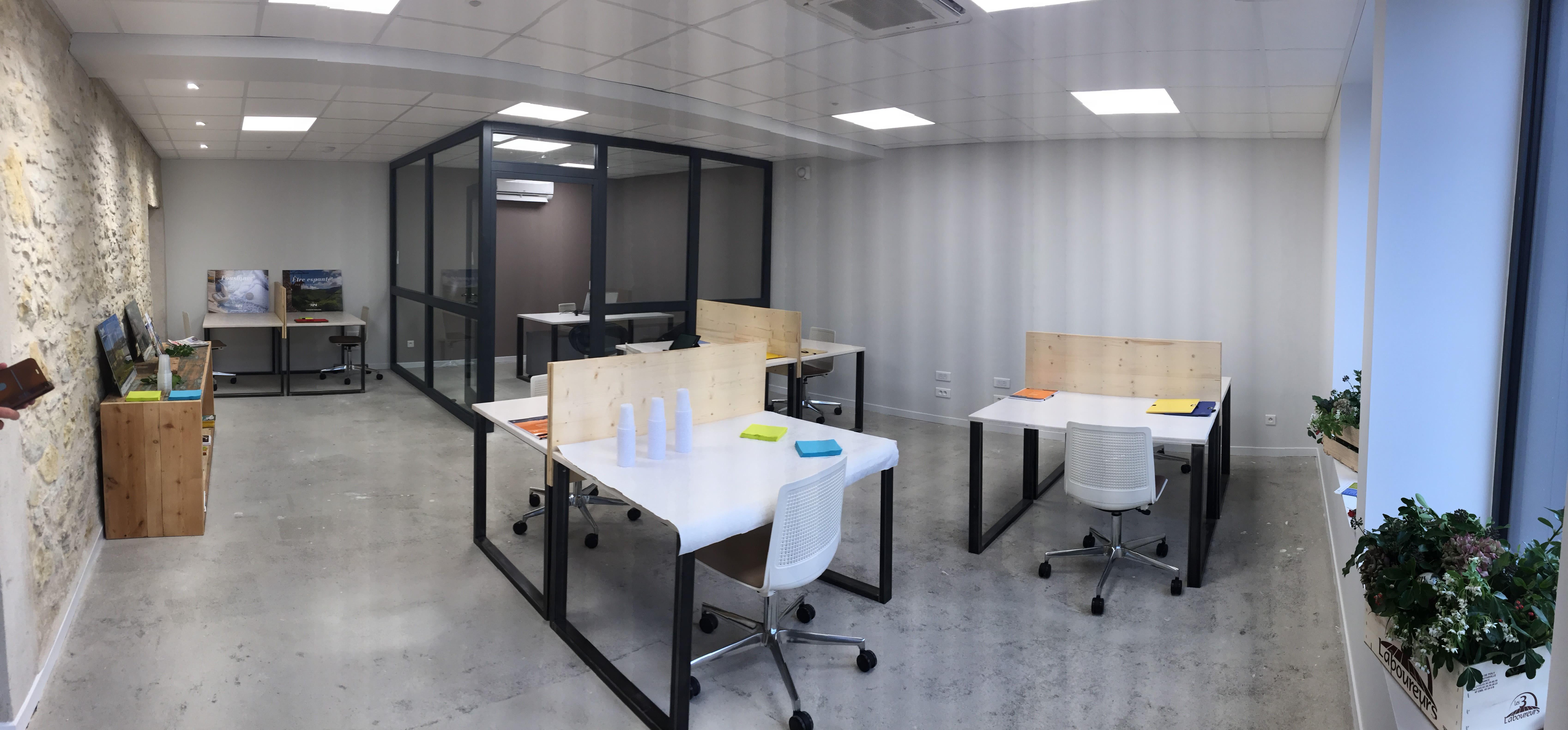espace partagé d'une capacité de 8 personnes à Cuq-Toulza