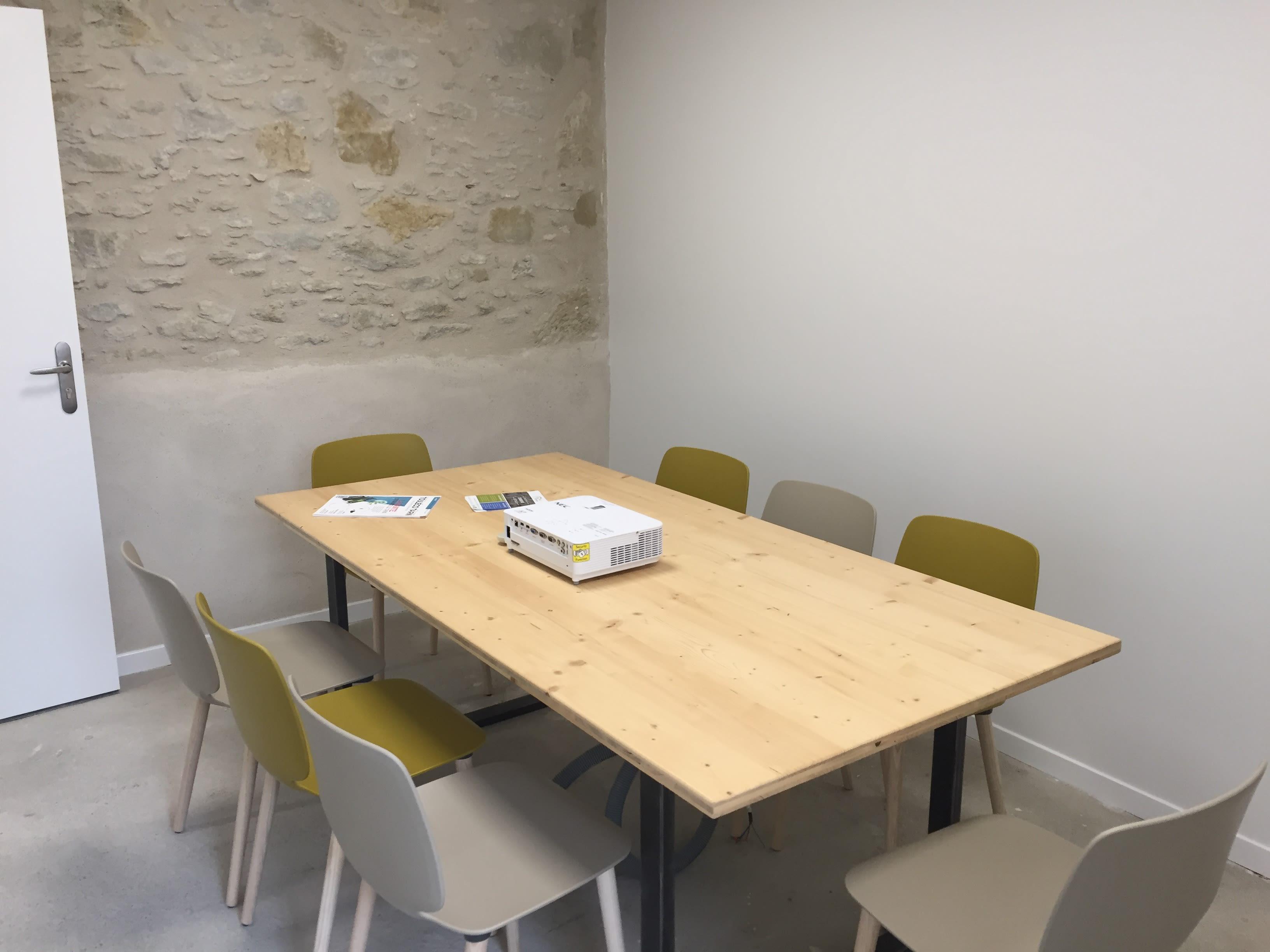 salle de réunion pour 8 personnes à Cuq-Toulza