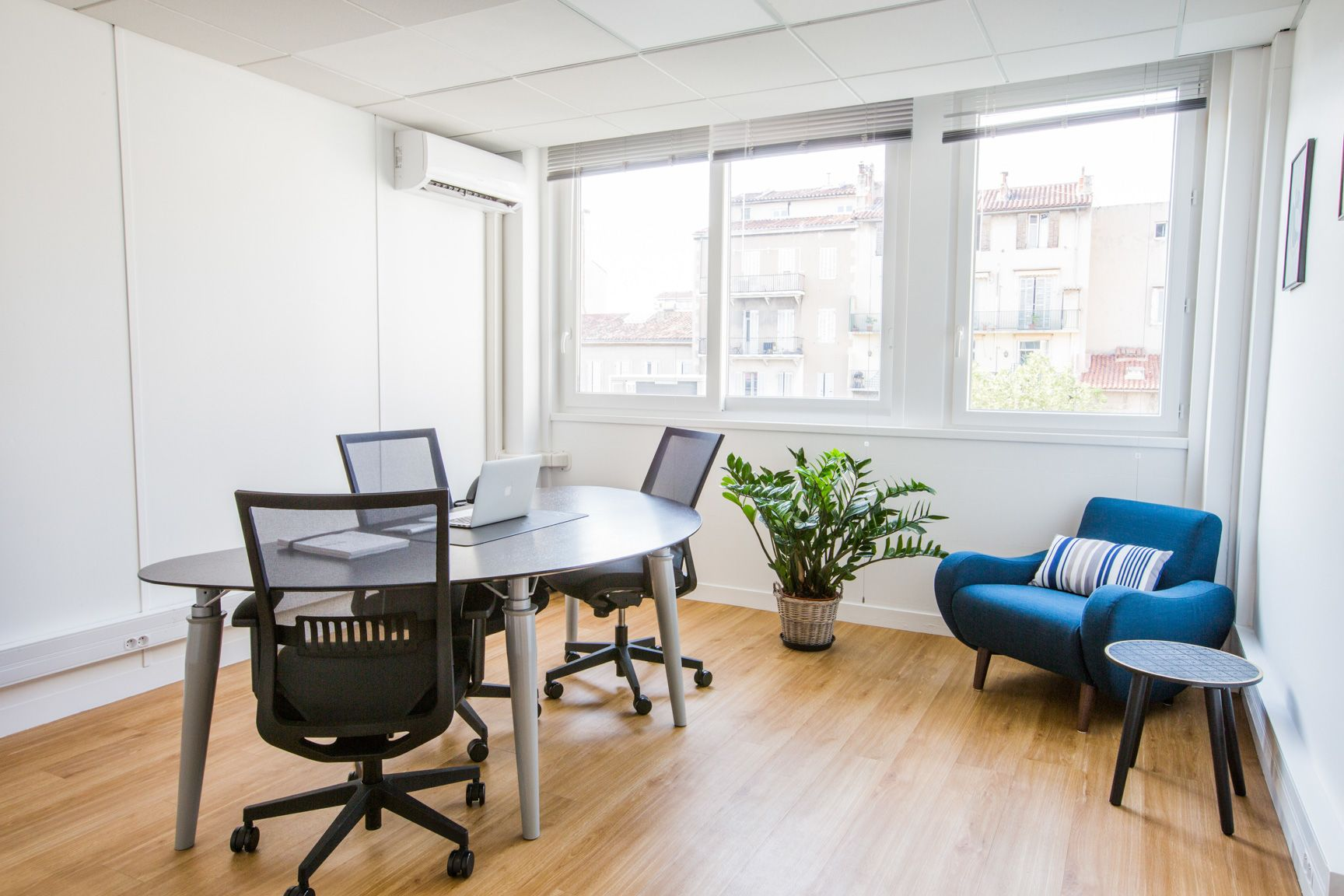 bureau privatif de 6 personnes à Marseille