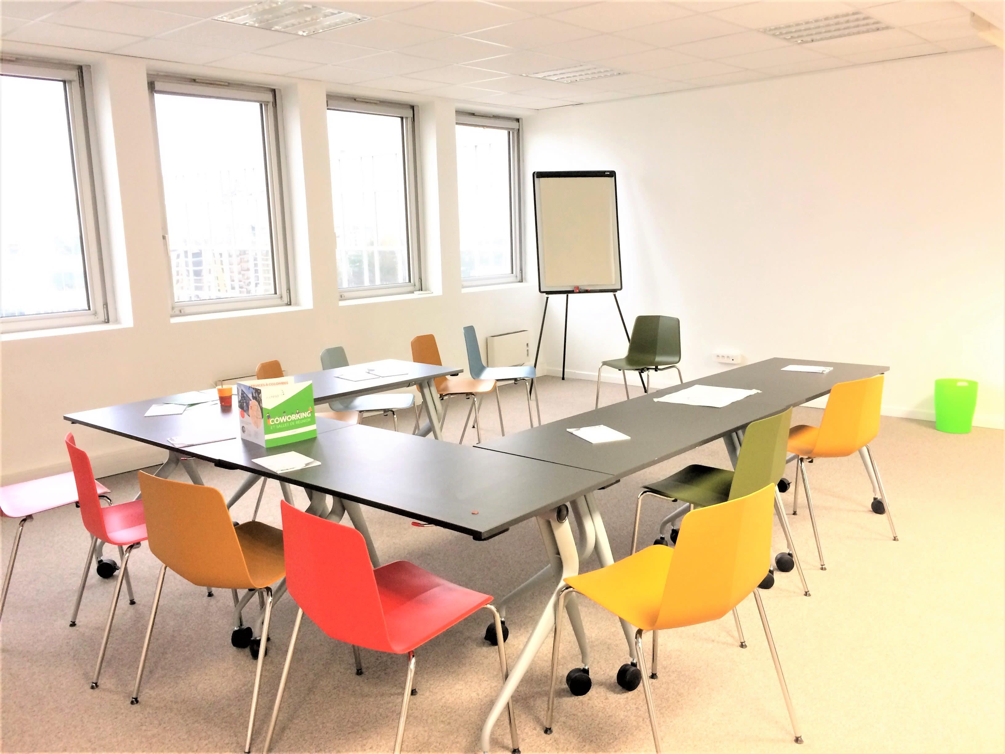 salle de réunion pour 25 personnes à Colombes