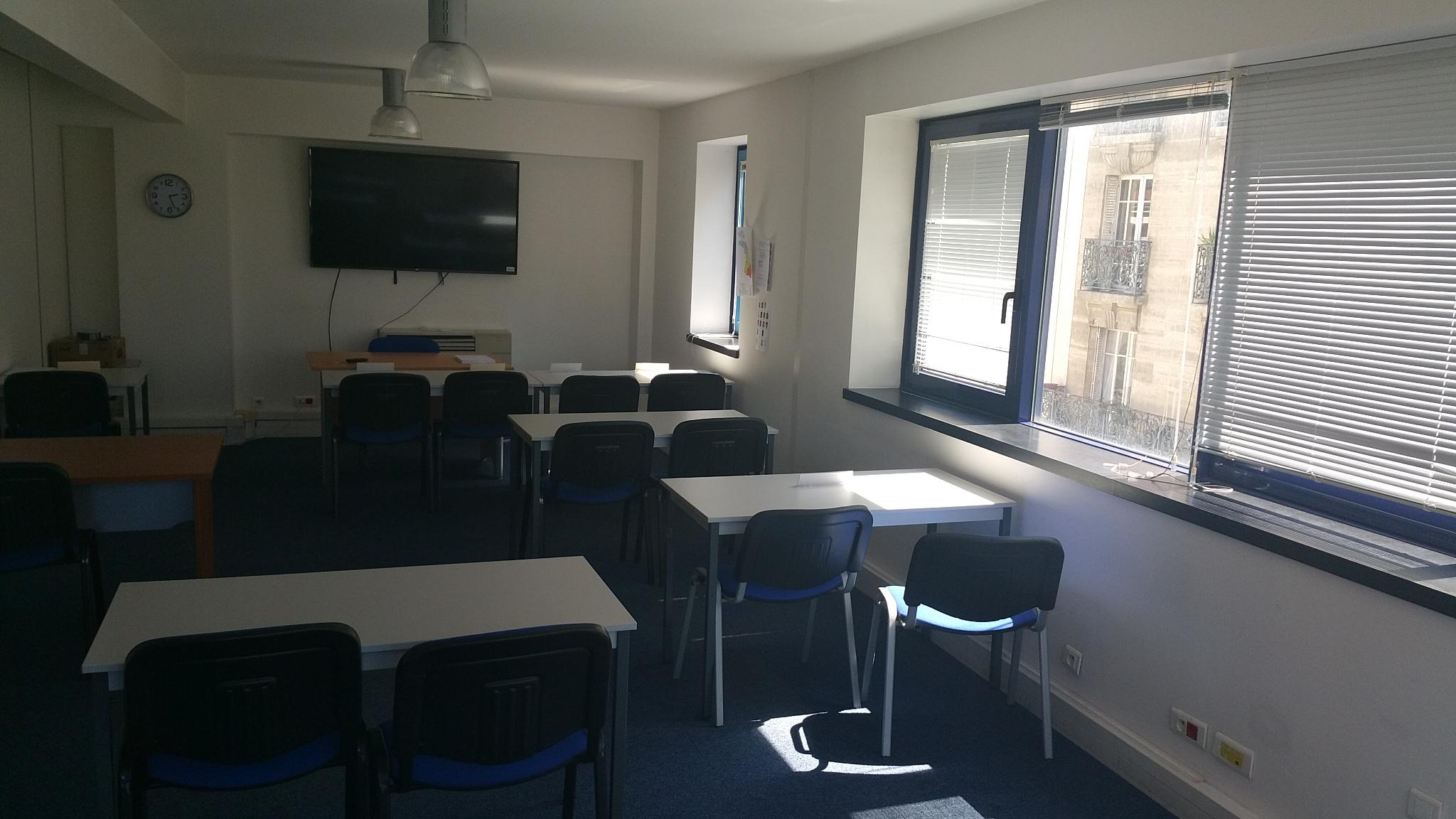 Bureau privatif salle de réunion ou espace partagé à paris