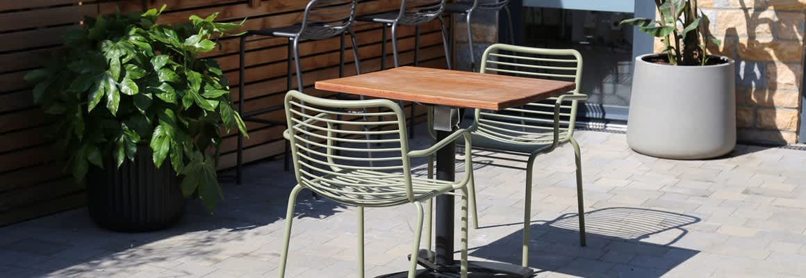 How to Create the Perfect Outdoor Eating Area for your Café or Restaurant