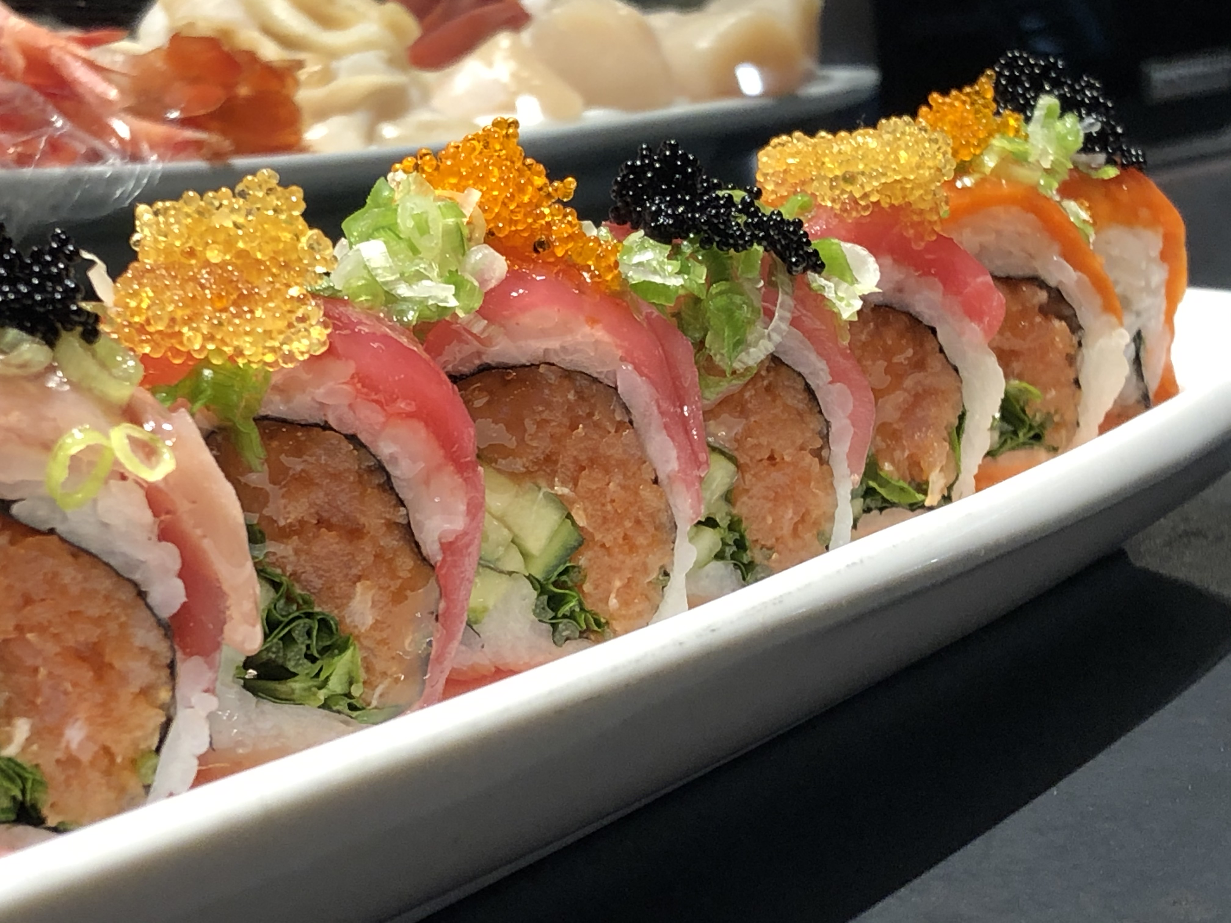 this is a good looking sushi roll