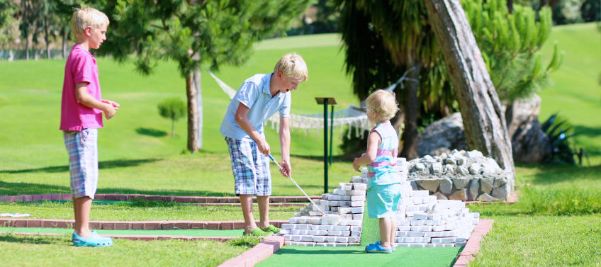 6 Places to Play Mini Golf in Philadelphia - Mommy Nearest