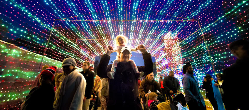 10 Best Holiday Light Displays In The United States Mommy Nearest
