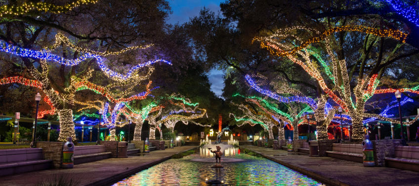 lead image for best places to see holiday lights in the houston area