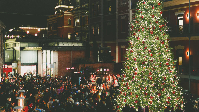 ghirardelli square tree lighting - Bay Area Christmas Lights