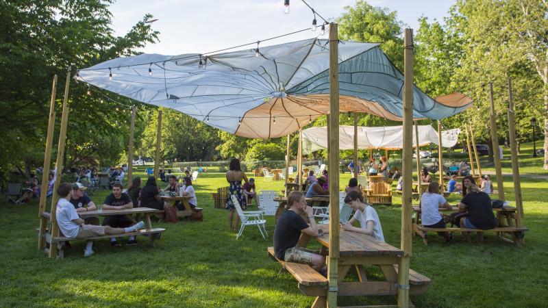 10 Kid-Friendly Beer Gardens in Philadelphia - Mommy Nearest