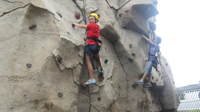 5 Indoor Rock Climbing Spots for Los Angeles Kids - Mommy Nearest