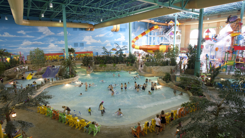 Brilliant Indoor Pool With Waterslide Mustvist Water Parks In The Chicago Area Article Inspiration