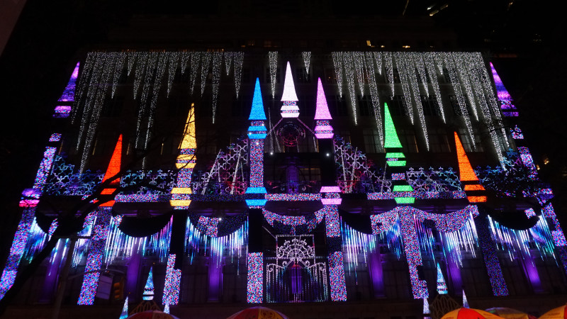 Saks Fifth Avenue Holiday Light Show