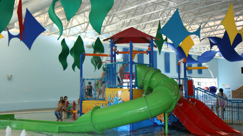 5 Indoor Water Parks Near Chicago - Mommy Nearest