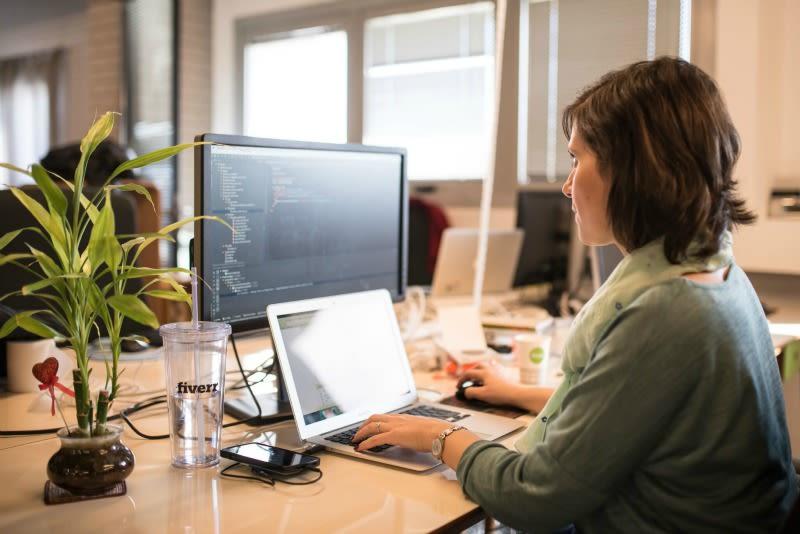 Fiverr Spotlight on monday.com Blog