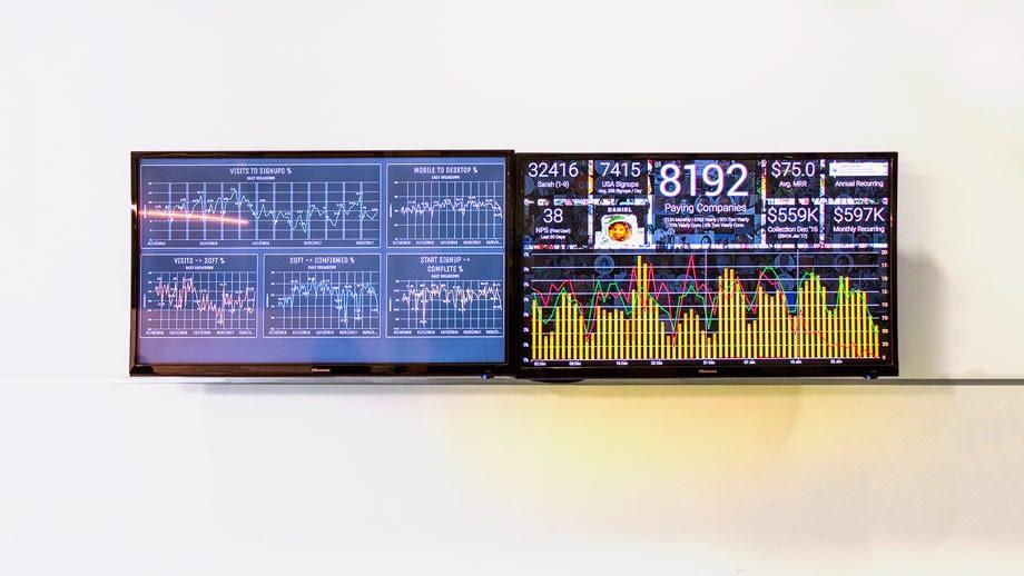 original-original-dashboard-1.jpg20170214-6769-1ydcpjf