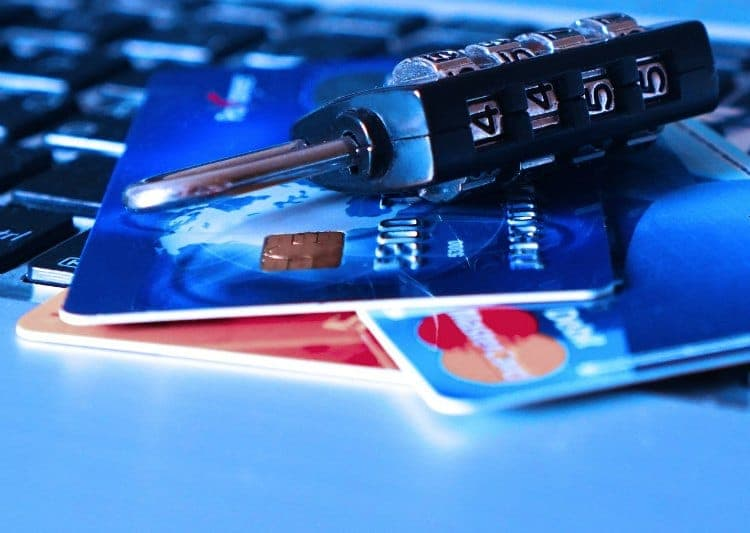 Use credit cards to rebuild credit for your credit score
