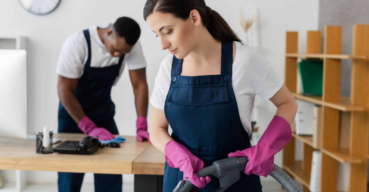 8 Questions to Ask Before Hiring a Cleaning Service