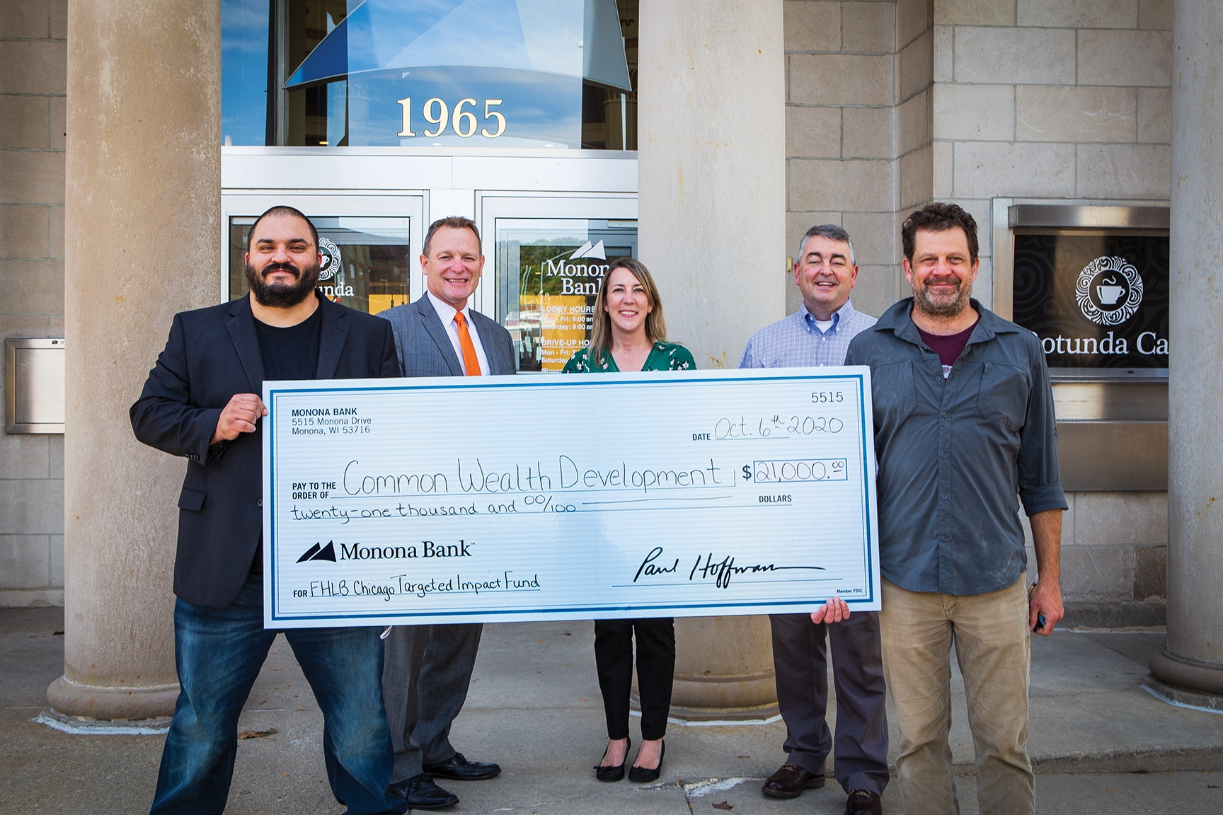 Monona Bank Donates to Common Wealth Development