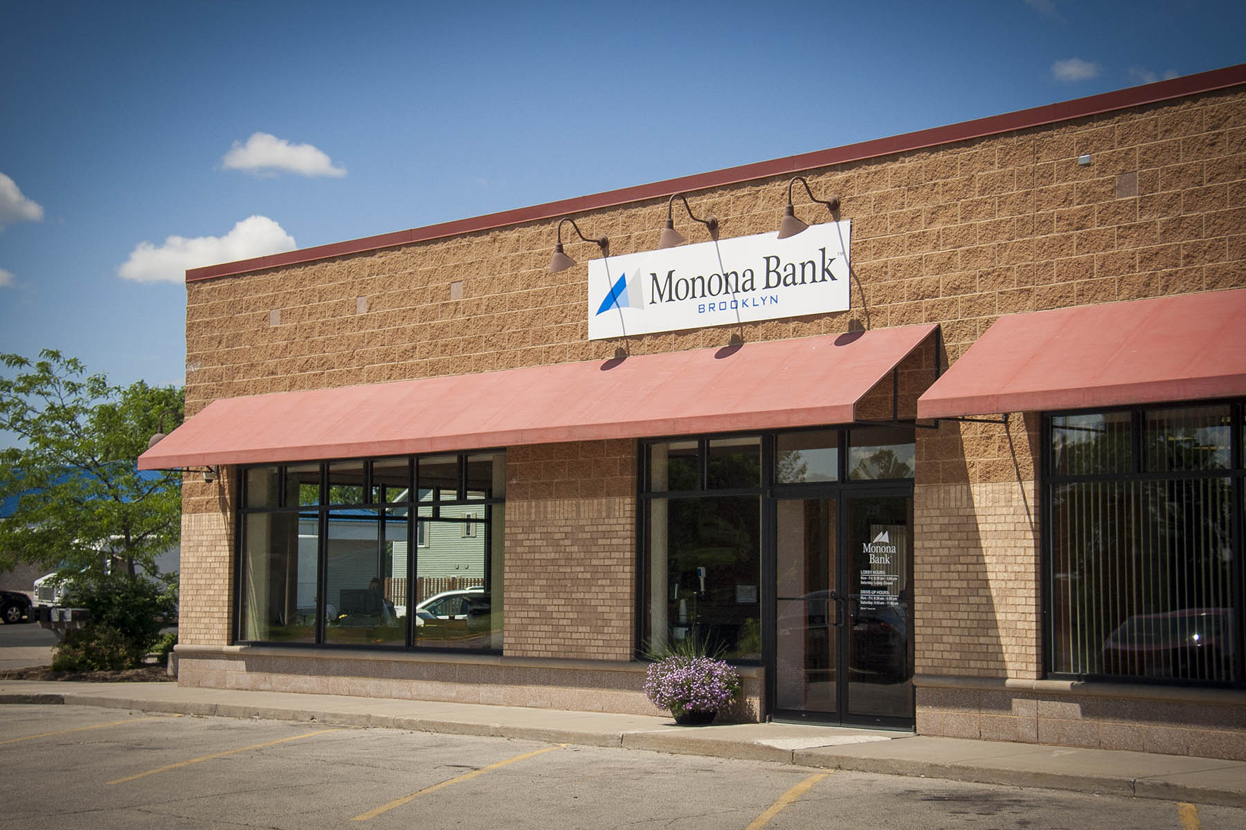 Monona Bank Brooklyn WI