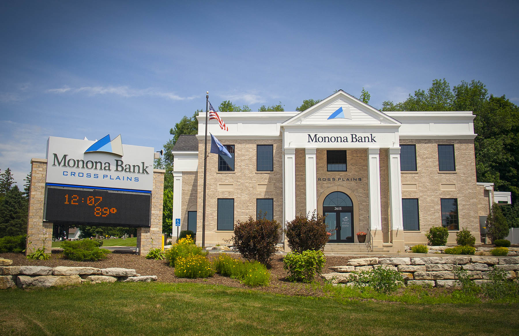 Monona Bank Cross Plains WI