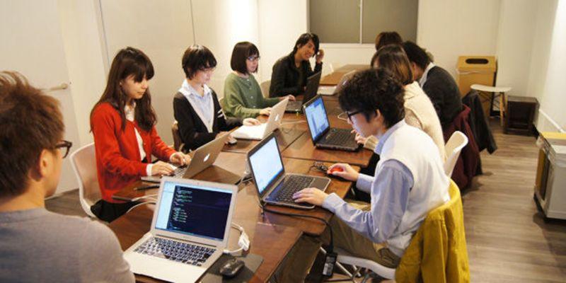 講座の企画、運営だけでなく、dotFesの運営も行います