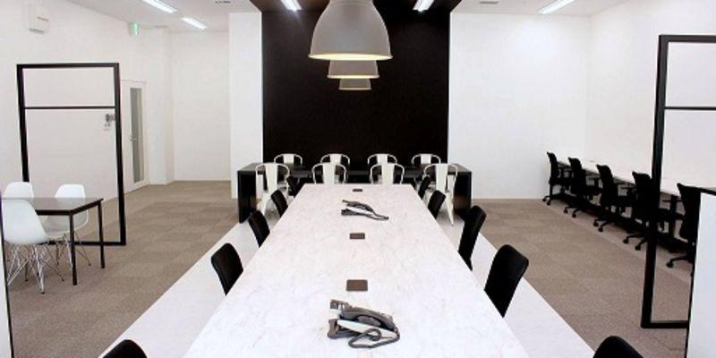 クリエイティブを通じてクライアントの本質的な課題を解決する大阪本社のディレクター