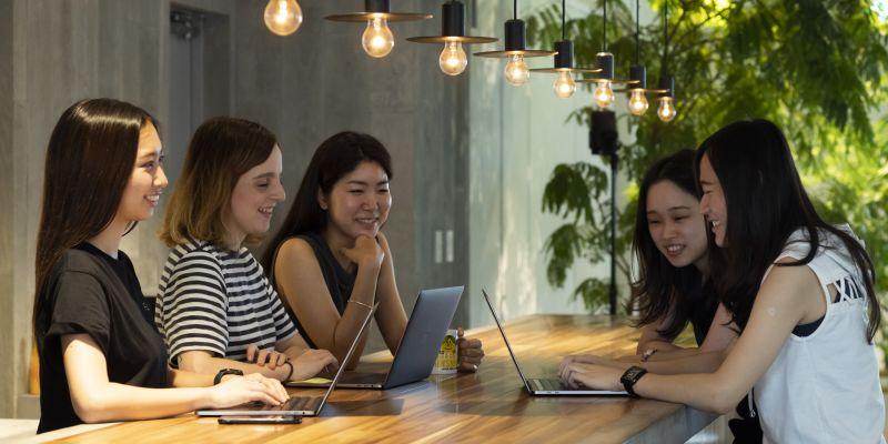 世界に日本を発信!チームを支援する、デジタルマーケティングアソシエイト