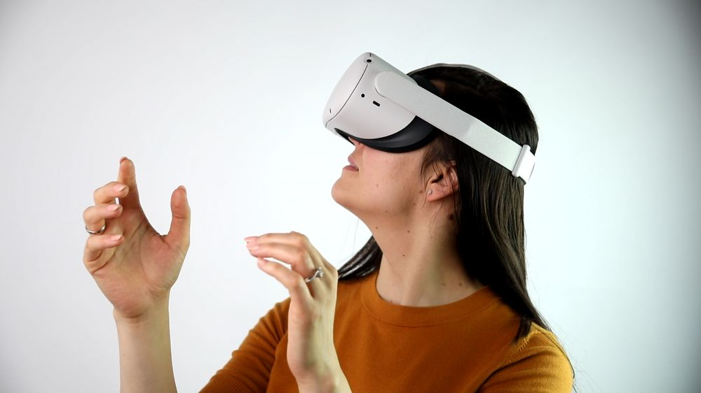 Girl wearing Oculus Quest 2