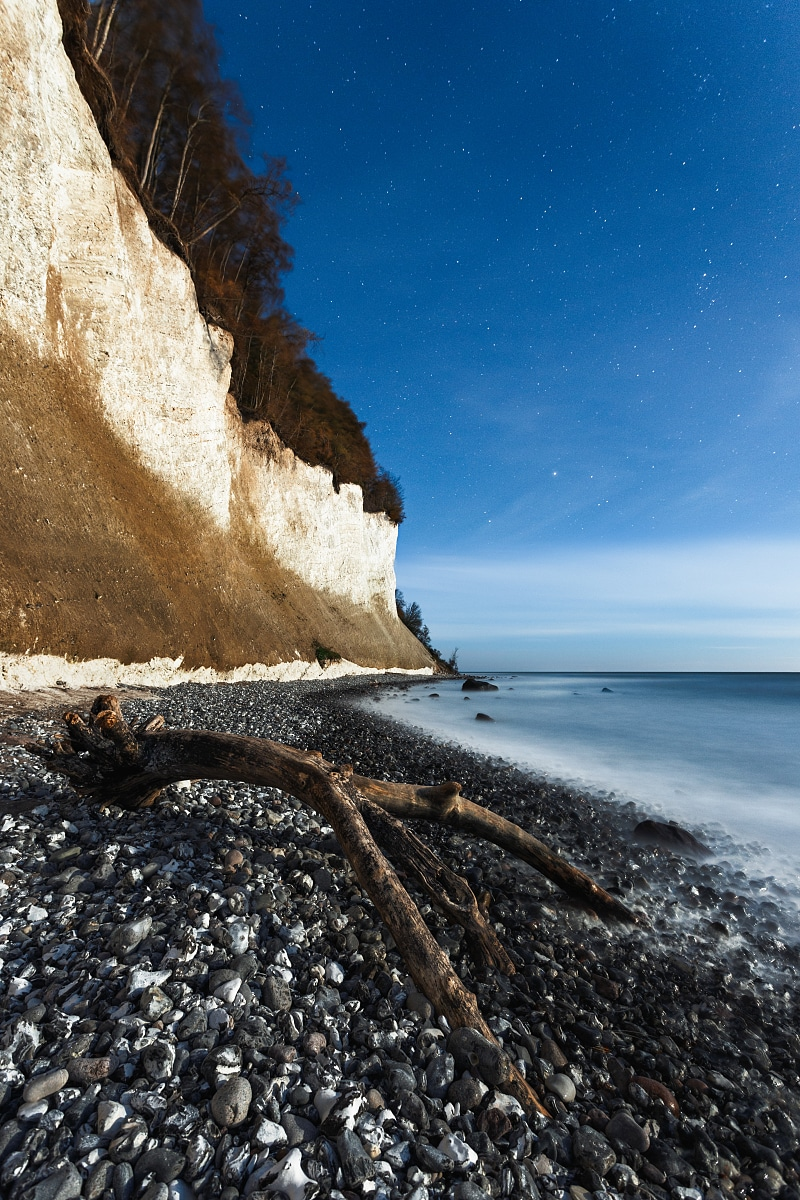 Jasmund chalk cliffs at night