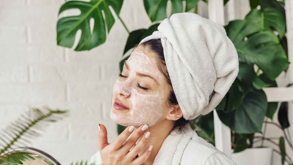 10 Glowing Skin Home Remedies: How to Get Glowing Skin Naturally