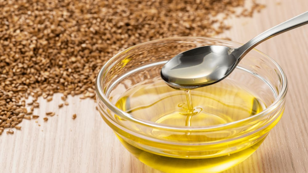 Benefits of Flaxseed Gel for Hair and Skin