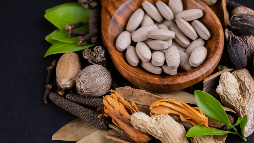Kanchanar Guggulu: Uses, Precautions & Dosage