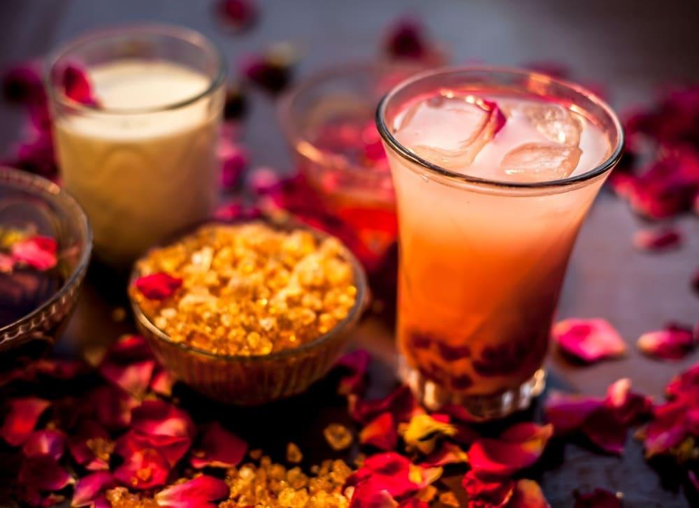 Gond Katira (Tragacanth Gum): Top 12 Benefits, Side Effects, More