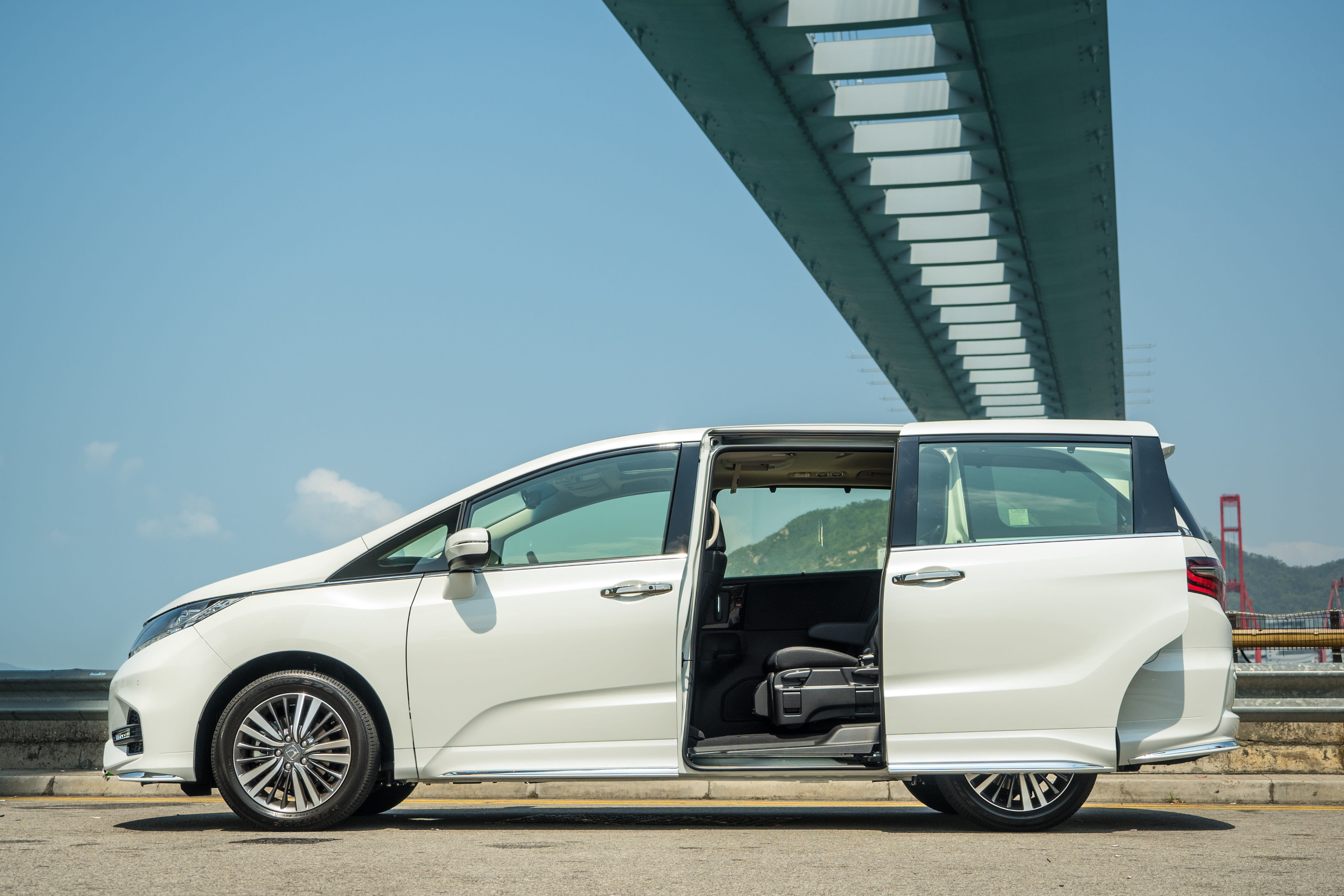 Honda issues a second recall for faulty sliding doors