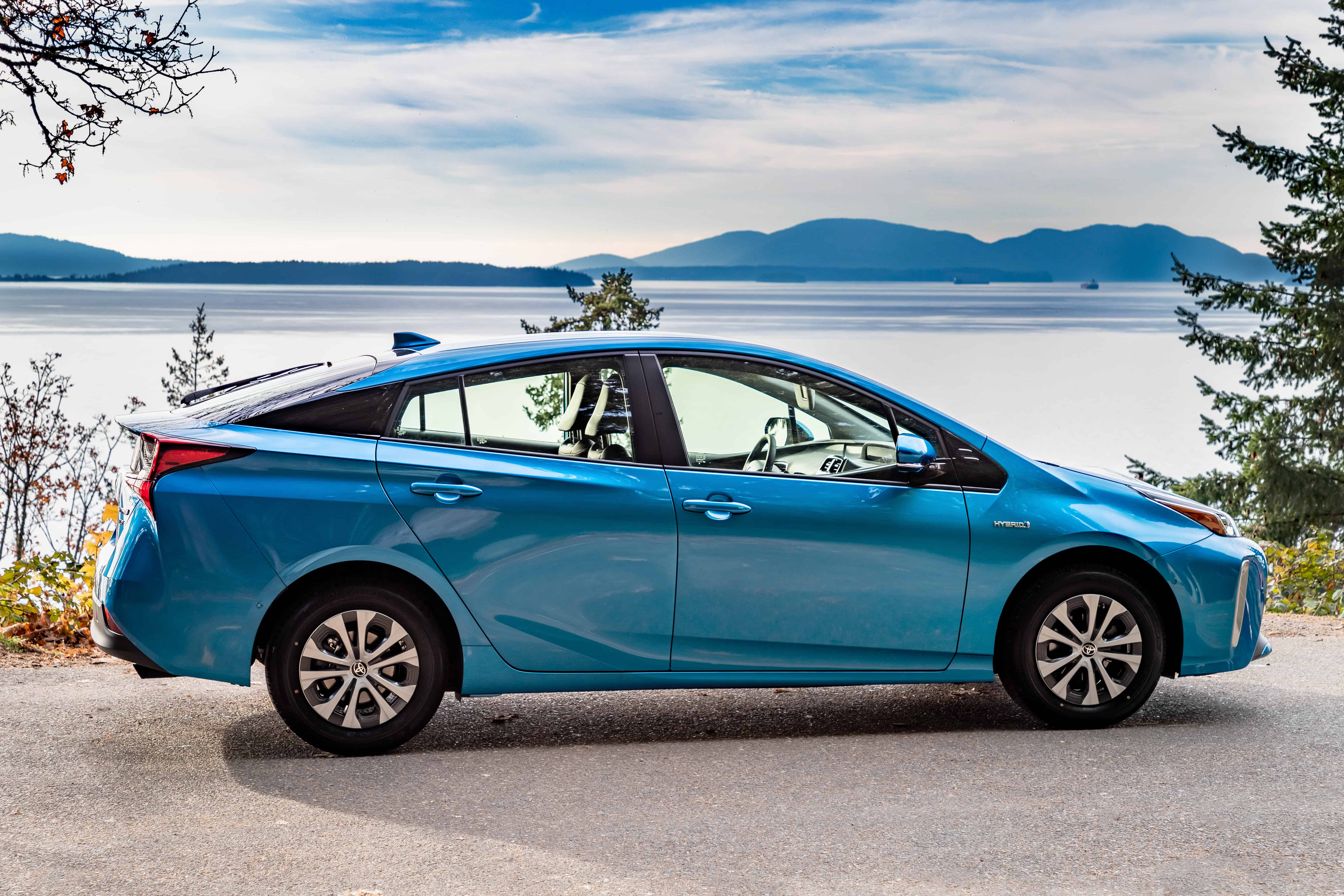 Toyota Recalls Nearly 4,400 Corolla Hatchbacks Due to Major Transmission Issue