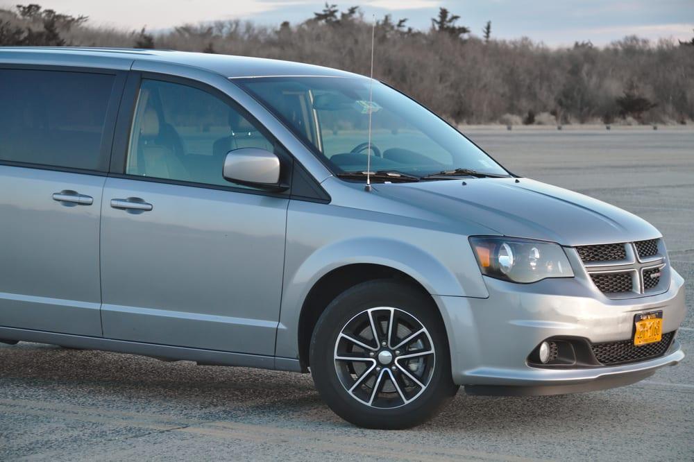 Chrysler recalls vans with faulty wiring