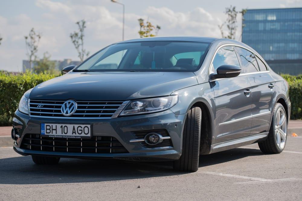 Volkswagen recalls sedans with improper hear restraints