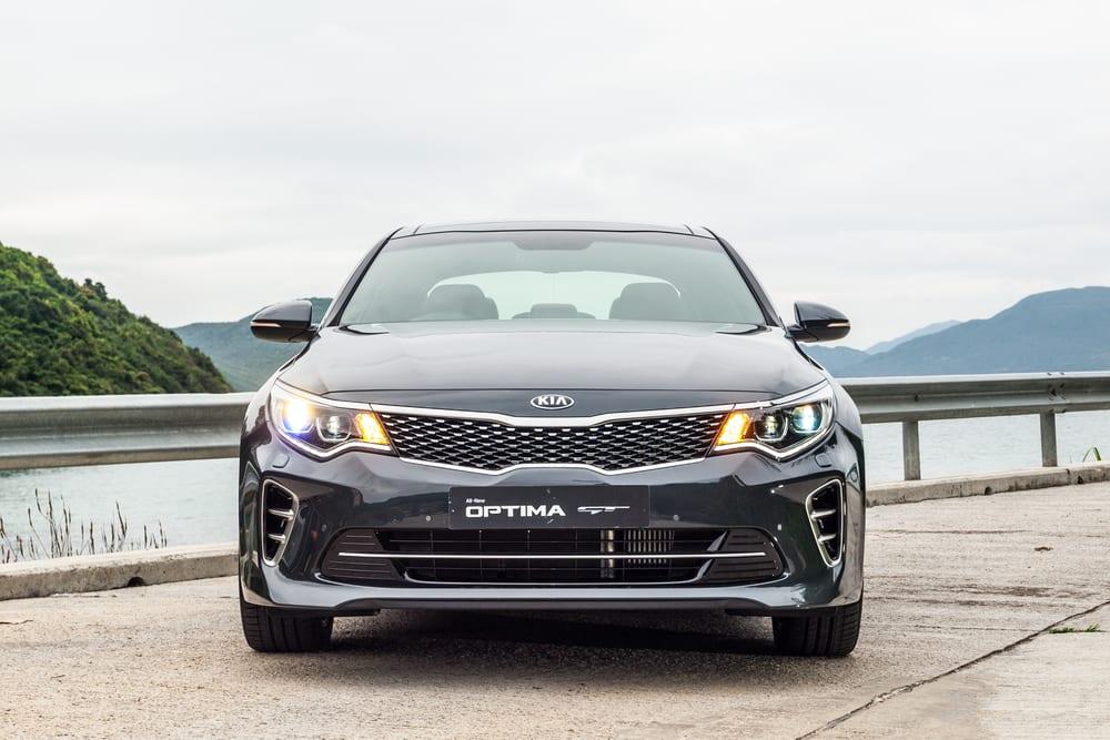 Kia recalls vehicles with defective air bag features