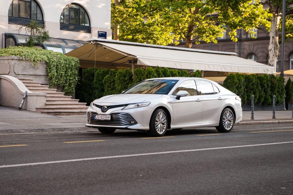 Toyota recalls sedans with defective fuel lines
