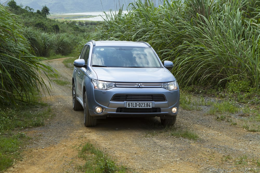 Mitsubishi recalls vehicles with defective brakes