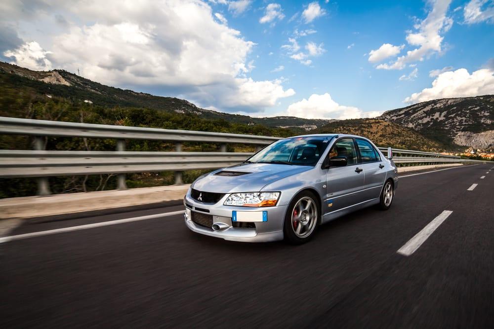 Mitsubishi recalls vehicles defective sunroof framing