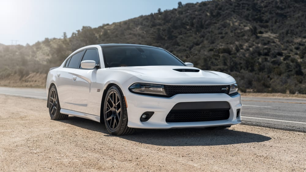 Chrysler recalls sports cars with defective oil cooler lines