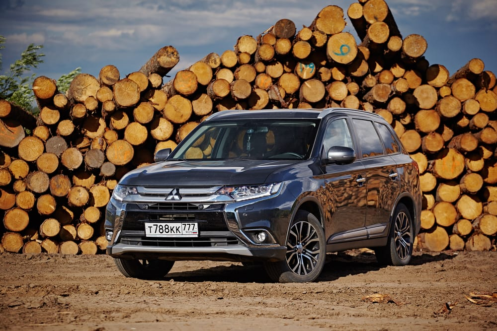 Mitsubishi Outlander recalled for faulty seat belts