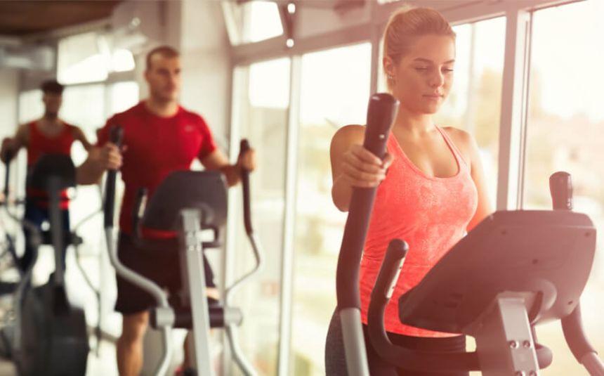 Übungen zum Abnehmen der Beine im Fitnessstudio