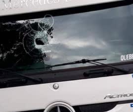Troca de para-brisa Caminhão Mercedes