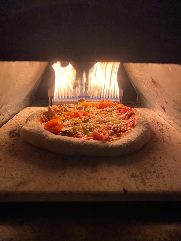 פיצה מחמצת נהדרת בטאבון