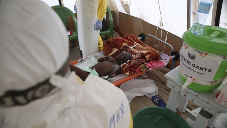 En syv år gammel gutt har blitt lagt inn på ebolabehandlingsentret i Mangina.